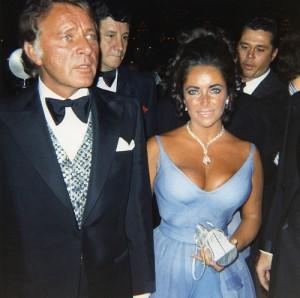 elizabeth-taylor-1970-in-edith-head-dress
